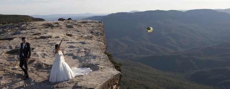 bouquet over the edge, Canberra photographer Eddie Misic