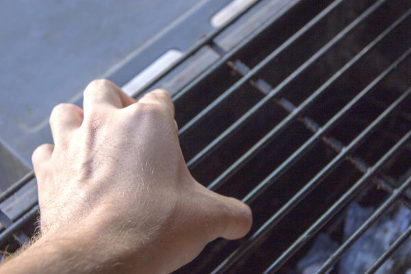 how to clean coleman grill grates
