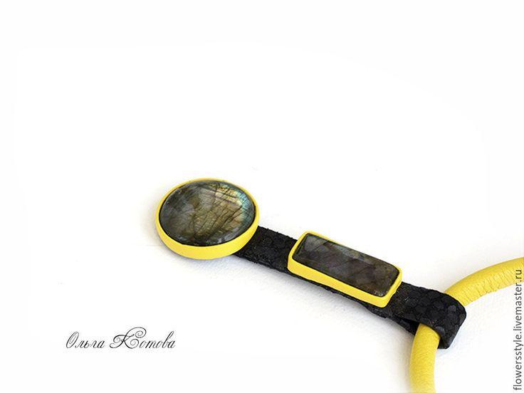Купить Кулон из кожи с лабрадоритами Желтый и черный украшение с камнем - желтый, желтый цвет