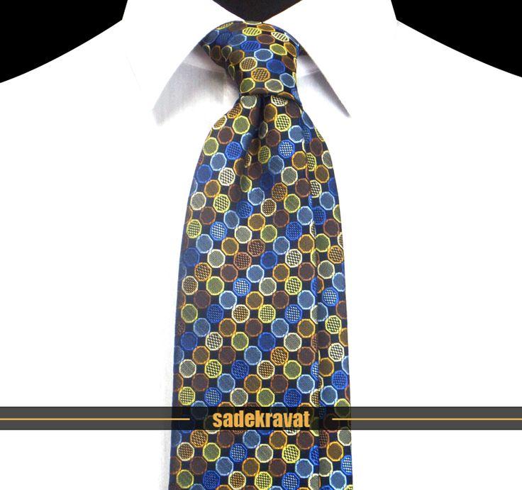Kahve Sarı Mavi Noktalı Kravat 5642 7,5 cm. Modern Orta Stil, Mikro Kumaş... www.sadekravat.com/kahve-sari-mavi-noktali-kravat-5642 #kravat #kravatım #kravatmodelleri #tie #tieoftheday #pocketsquare #örgükravat #ketenkravat #ipekkravat #slimkravat #ortaincekravat #incekravat #gömlek #ceket #mendil #kravatmendilkombin #ofis #bursa #türkiye #çizgilikravat #şaldesenlikravat #ekoselikravat #küçükdesenlikravat #düzkravat #sadekravat