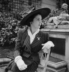 La reine d'Iran Faouzia Fouad (1921-2013), soeur du roi d'Egypte Farouk Ier et première épouse du shah Mohammad Reza Pahlavi. Paris, avril 1946.