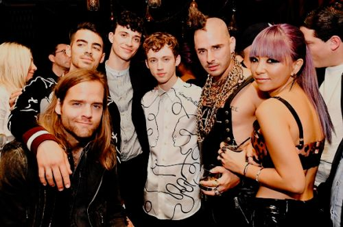 Troye Sivan and DNCE at VMAs 2016