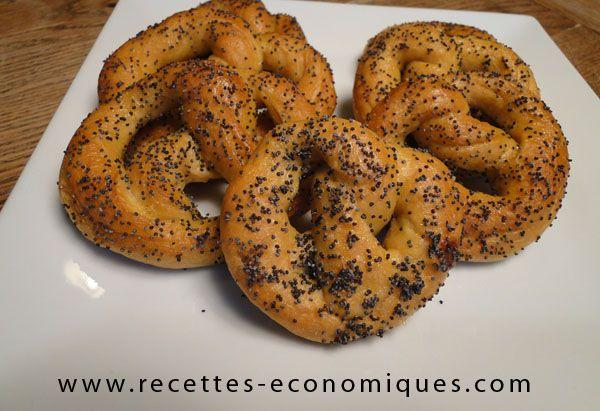 Aujourd'hui je teste la recette des Bretzels ou Mauricettes, une spécialité d'Alsace. J'ai fait cette recette au thermomix, c'est facile, le goût est là.