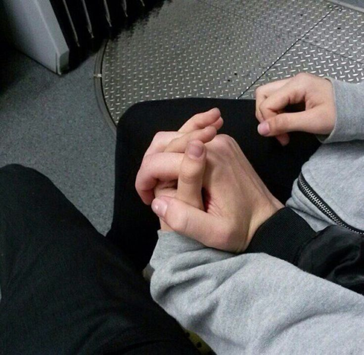 boys holding hands tumblr - photo #25
