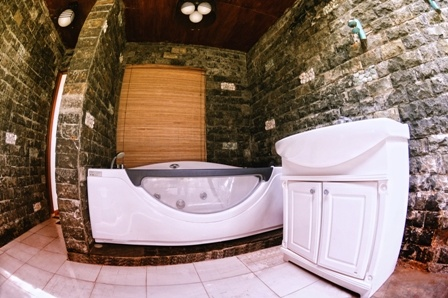 Cottage - Bathtub