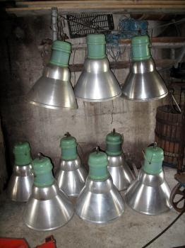 LOTTO DI GRANDI LAMPADE INDUSTRIALI A SOSPENSIONE ANNI '60