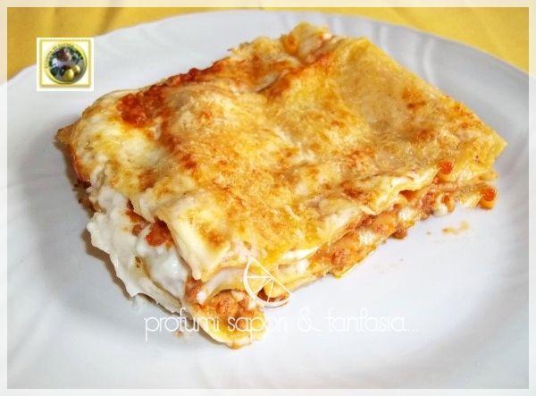 Lasagne ai quattro formaggi, il gusto deciso dei formaggi alternati da qualche cucchiaiata di pomodoro, veloci da preparare e senza besciamella, ottime!