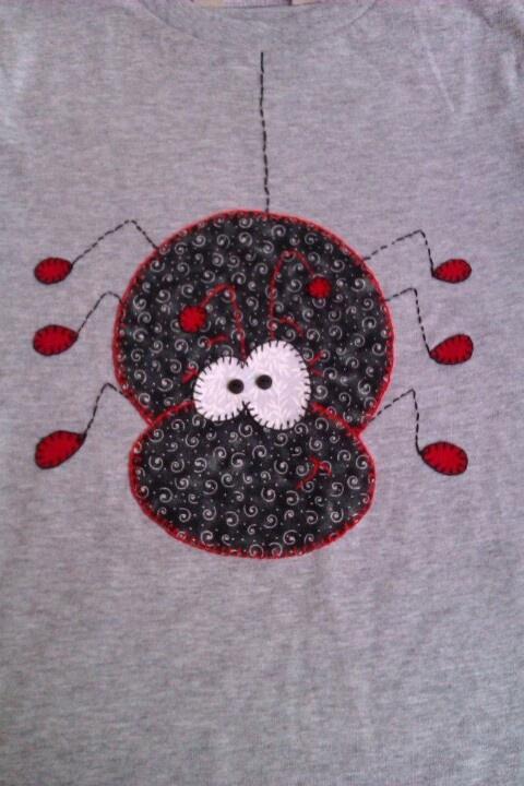 Aplicación en camiseta, araña.