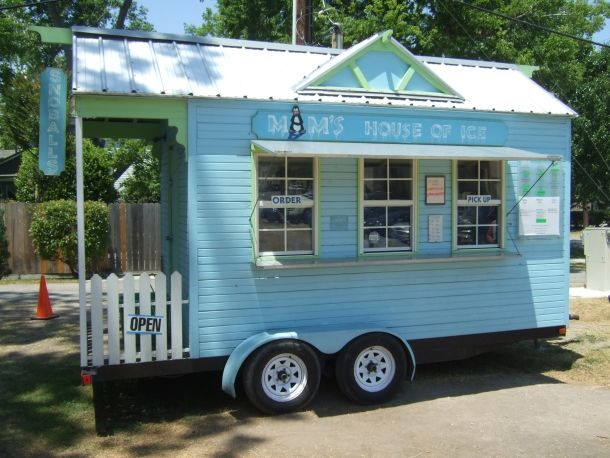 When you are up in the Houston Heights area, be sure to stop at this tiny blue trailer, Mam's House of Ice, for a snow cone. Choose from about 40 different flavors (including some weird ones like dill pickle and Cajun Red Hot sauce), and maybe add some toppings like creamy condensed milk, ice cream, or gummy bears.  A cool treat on a hot day.