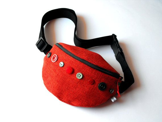 Summer SALE 40% off fanny pack/hip bag  red and by toritextil