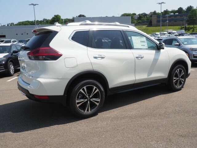 Used 2019 Nissan Rogue Sv Pearl White Nissan Rogue With 2 Miles Available Now 2020 In 2020 Nissan Rogue Sv Nissan Rogue Nissan