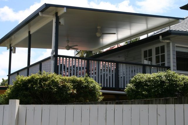 Great outdoor extension, Timber deck, timber handrail, flyover insulated patio roof,ceiling fans and lighting.  All this combined makes a great outdoor room.  Timber Deck Brisbane, Queensland, Australia