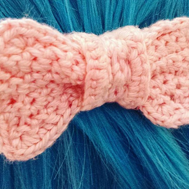 Small Crochet Bow Hair-clip. #crafts #handmade #handcrafted #handcraft #diy #doityourself #crochet #lolitafashion #bow #cute