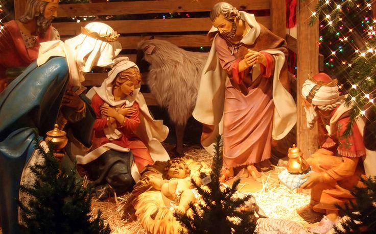 Рождественские традиции разных стран или как встречают Рождество в мире.  Рождественская пора полна семейных традиций, будь то угощения от Cанты на северных оленях или просто украшение ёлки. Но как же всё-таки празднуют Рождество дети и родители в разных странах мира? Каждый год более 2 млрд людей по всему миру отмечают Рождество, поэтому специально для вас мы подготовили забавный путеводитель по самым необычным рождественским традициям.