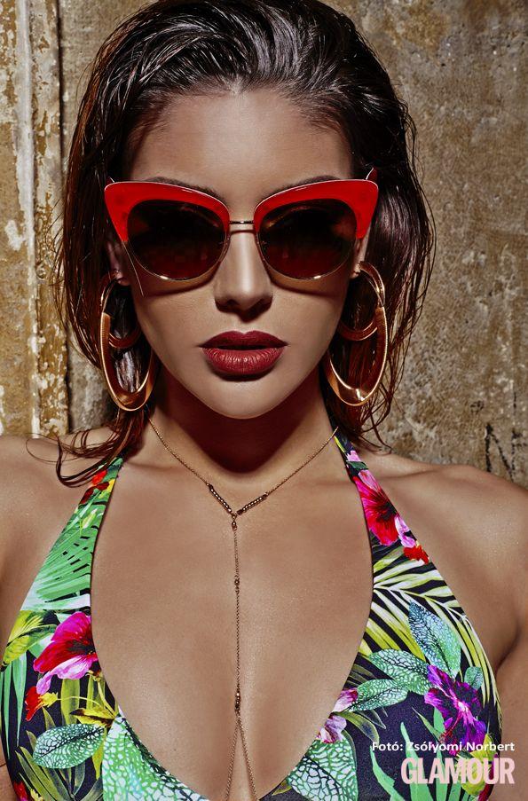 Edina ebben a napszemüvegben még a szokottnál is szexibb. Edina Kulcsár is always sexy  but she is even sexier wearing these sunglasses. Everyone needs trendy sunglasses! Try and see the difference.