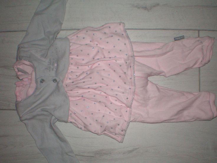 http://www.ebay.fr/itm/ensemble-tee-shirt-pantalon-rose-pale-et-gilet-gris-bebe-fille-1-mois-nourrisson/111800491789?_trksid=p2047675.c100009.m1982