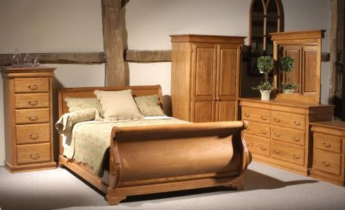 the dreamy Louisville sleigh bed, SOLID wood, Canadian made