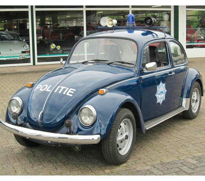 Politie Vroegere tijden (police car in earlier day)