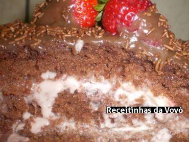Receita Bolo maravilha de chocolate com morango