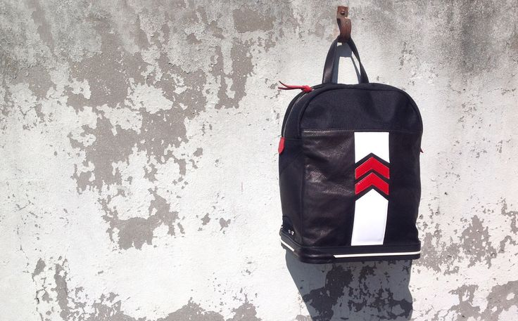 Black, white and red calf leather arrow detail #backpack - The Sneakebag - #zaino #sneakebag con fondo in gomme stile #sneaker
