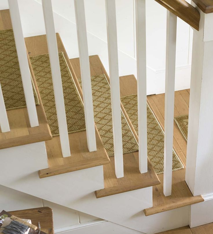 Best Non Slip Indoor Stair Treads And Rugs With Tan Lattice 640 x 480