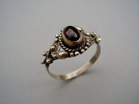Vintage Arts & Crafts Style 925 Sterling Silver Ring Red Cabochon Garnet Gem Stone Handmade 1960s 1970s Exotic Hippie Hippy Boho Ethnic