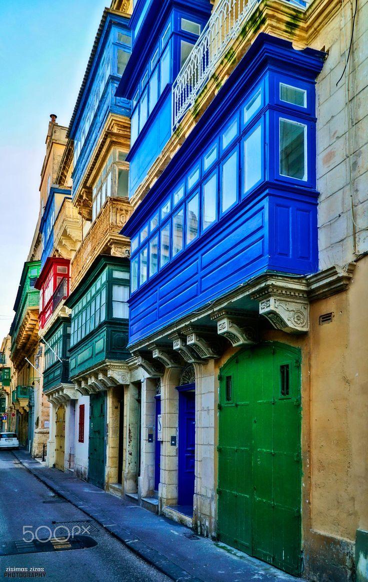 The beautiful windows of Valletta!!