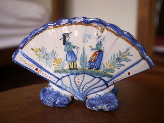 antique henriot quimper french faience pottery breton man woman fan vase planter quimper. Black Bedroom Furniture Sets. Home Design Ideas