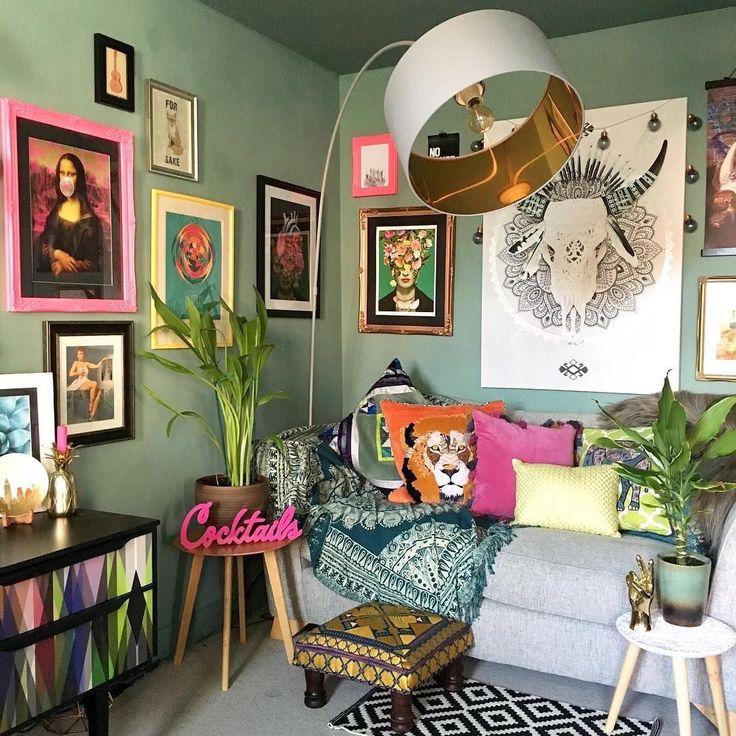 Best Artful Gallery Wall Living Room Decor