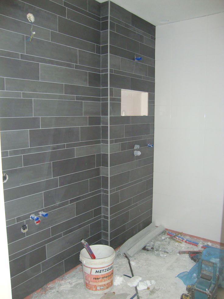 17 beste idee n over betegelde badkamers op pinterest badkamer makeovers douches en metro - Betegelde rode badkamer ...