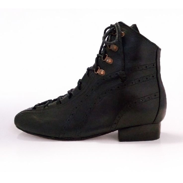 YELENA - Black leather lace up victorian style ankle boot. #pzdvintage #goth #nugoth #handmadeshoes #90style