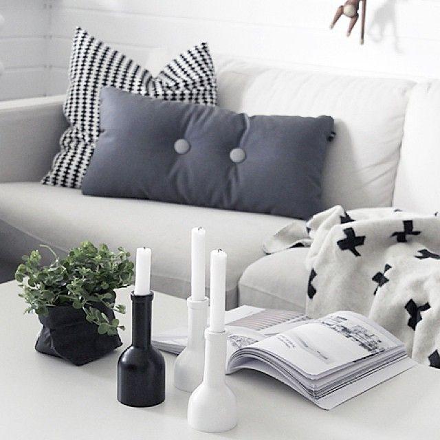 Inspiratie: stoere woonkamer in zwart, wit en grijs  Woonkamer ...