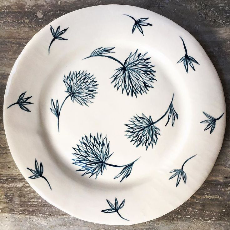 Hand painted earthenware plate #handpainted #ceramics #blueandwhite