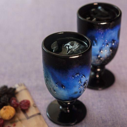 琉球ガラス職人 末吉 清一さんが作った静かな星空を見下ろして宇宙の果ての銀河ゴブレット