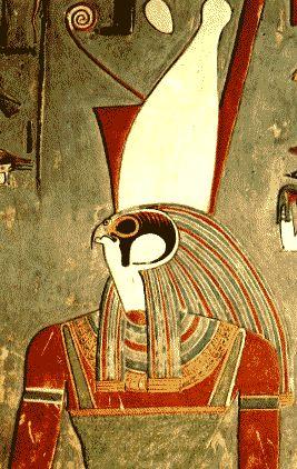 Kom Ombo     Kom Ombo la antigua Ombos de los griegos, en egipcio Nubit o <<Ciudad del oro>>, está situada en la orilla derecha de el...