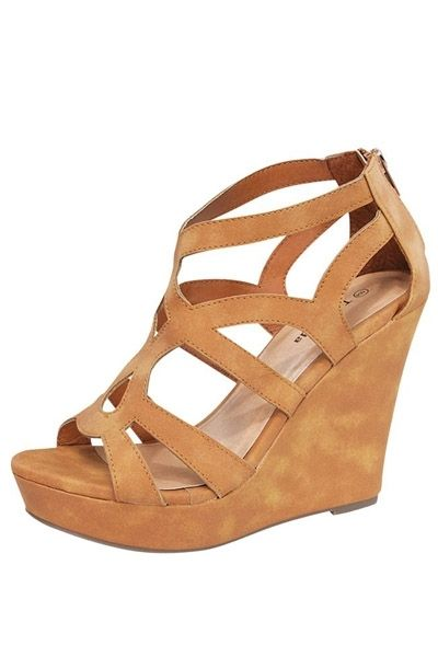 The Pink Lily Boutique - The Kinley Wedge , $38.00 (http://thepinklilyboutique.com/the-kinley-wedge/)