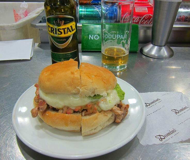 Lomito Antiguo (pork sándwich with avocado and mayo) – Dominó, Santiago