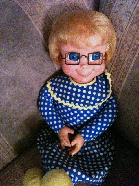 I loved watching Family Affair, and I loved Mrs. Beasley!  I still have one of these which my mom got for me on my 40th birthday.
