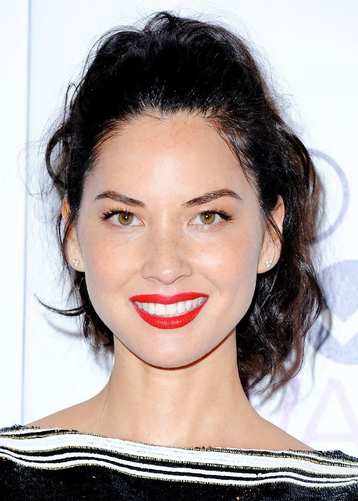 Felicity Jones Gorgeous Red Lip Plus More Celeb Beauty