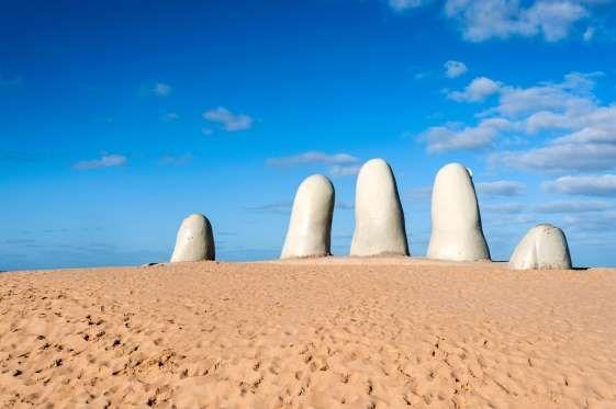 Punta del Leste: Considerada um dos destinos mais visitados da América do Sul, Punta del Leste també... - Shutterstock