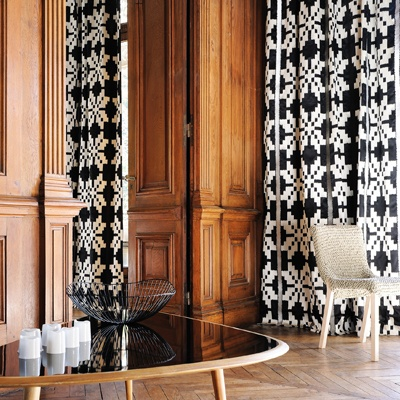 Zadig is a large scale embroidery on satin cotton that is highly graphic has a playful vertical aspect with colour contrasts. Revisits large decors with elegance and modernity.  http://www.seneca.co.nz/collections/wall-coverings/elitis/#