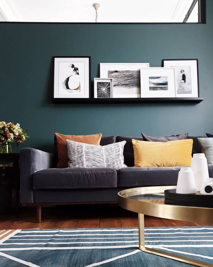 Living room with Farrow & Ball inchyra blue walls, picture ledge