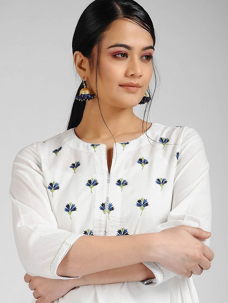 Buy Ivory-Blue Hand-embroidered Cambric Kurta with Slip (Set of 2) Online at Jaypore.com