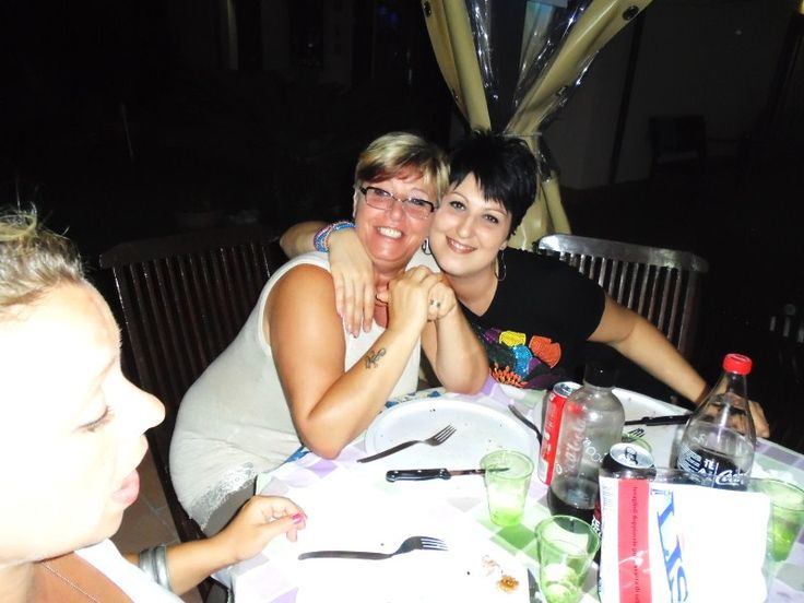 www.zio-ciro.com Hi Girls!!! Are you enjoying your home pizza party?