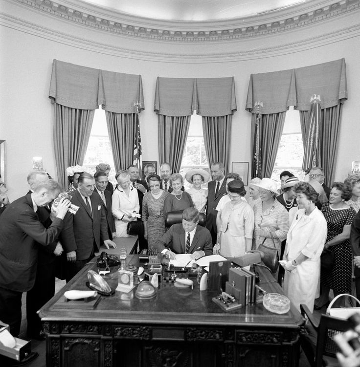 Today in history, President Kennedy signed the 1963 Equal Pay Act, which aimed to reduce income disparity between the sexes. 6/10/63. 19631006