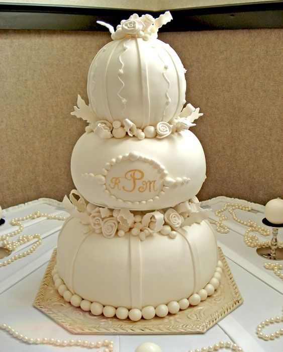 White Pumpkin Wedding Cake