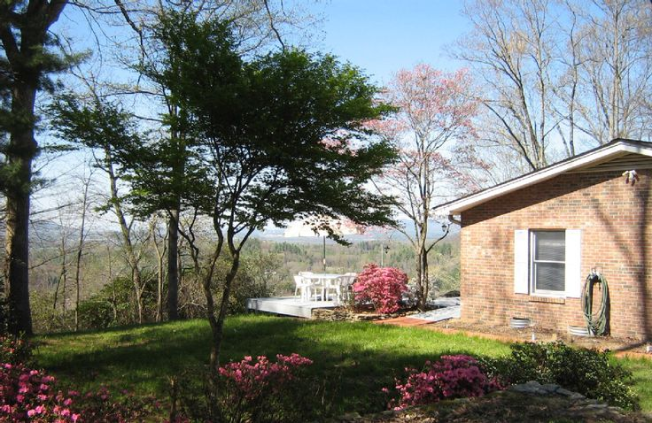 Abbey ridge retreat cute cabin with stunning views of the for Cabins near hendersonville nc