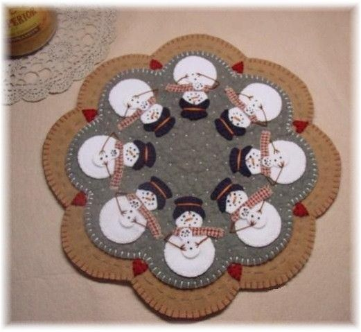 PatternMart.com ::. PatternMart: Snowmoms Penny Rug/Candle Mat Pattern