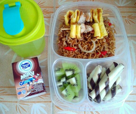 Attar's lunch box (27AUG15) : fried noodles with omelette and chicken satay, Astor wafer stick, kiwi fruit, choco milk and mineral water.  So Happy it's Thursday! Xxx