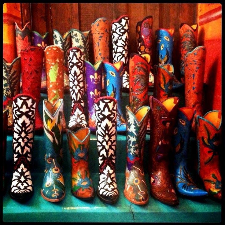 In San Miguel de Allende you can find unique designs of hand crafted boots Carrie Smith Cameron Art * Cock of the Walk Designs